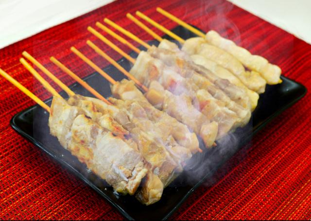 鳴海屋 串焼き(豚バラ・鶏モモ・鶏むね)
